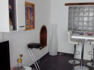 Sunny modern decor happy holiday apartment - Urzig vacation rentals