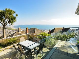 Beautiful Cottage in Newlyn with Deck, sleeps 6 - Newlyn vacation rentals