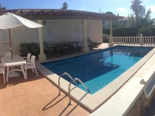 Bright 4 bedroom Villa in S'Algar with Internet Access - S'Algar vacation rentals