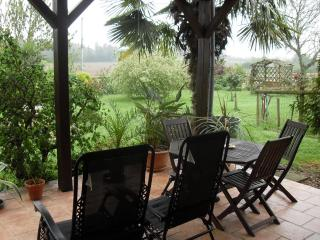 Annexe with terrace. FREE Parking, wifi, Breakfast - Saint-Mars-d'Outille vacation rentals