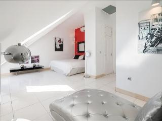Modern and bright Penthouse with grambrel roof, overlooking the Royal Palace! - PH - Madrid vacation rentals