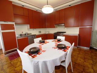 Ampio appartamento vicino al mare - Martinsicuro vacation rentals