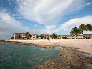 2 bedroom Apartment with Internet Access in Grand Cayman - Grand Cayman vacation rentals