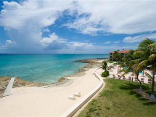 2 bedroom Condo with Internet Access in Seven Mile Beach - Seven Mile Beach vacation rentals
