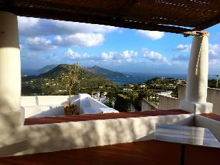 Il Gelso - casa panoramica a Lipari - Lipari vacation rentals