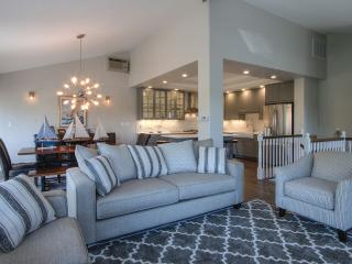 2 level all new luxurious town home - Lake Geneva vacation rentals