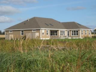 Nice 3 bedroom Victoria House with Internet Access - Victoria vacation rentals