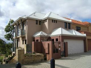 Cozy 2 bedroom House in Perth - Perth vacation rentals
