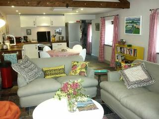 Nice Cottage with Internet Access and Outdoor Dining Area - Brompton Ralph vacation rentals
