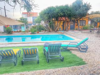 Bright Farmhouse Barn in Sao Pedro do Corval with Internet Access, sleeps 15 - Sao Pedro do Corval vacation rentals
