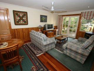 Lovely Condo with Internet Access and Television - Castle Forbes Bay vacation rentals