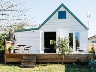 2 bedroom Guest house with A/C in Kyneton - Kyneton vacation rentals