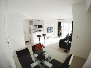 Beautiful apartment in the amazing condo, Reserva Jardim! - Barra de Guaratiba vacation rentals
