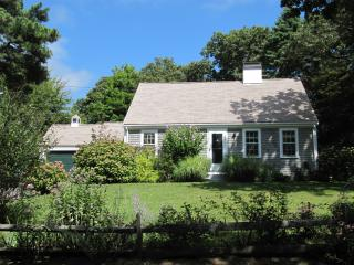 Spacious Cape Cottage with English-Style Garden - Osterville vacation rentals