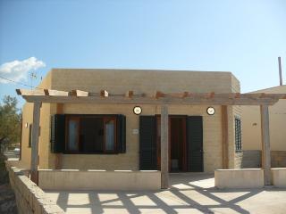 Casa Coppa - villetta fronte mare - Donnalucata vacation rentals