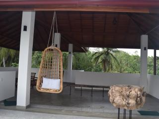 Romantic 1 bedroom Villa in Walahanduwa with Wireless Internet - Walahanduwa vacation rentals
