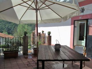 Dimora De Iorio Gateway to Abruzzo's National Park - Colli a Volturno vacation rentals