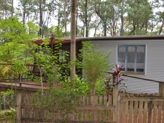 Nice Cottage with Internet Access and Television - Palmwoods vacation rentals