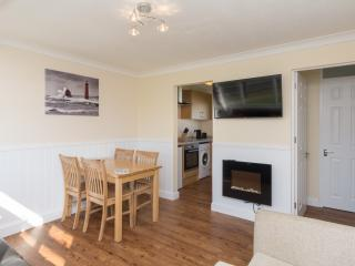 Fully refurbished fantastic value for couples & families (walk beach & pub) 67SB - Great Yarmouth vacation rentals