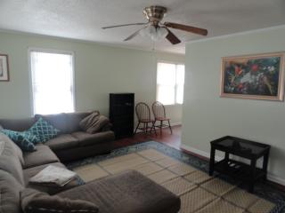 Nice House with Internet Access and A/C - New Bern vacation rentals