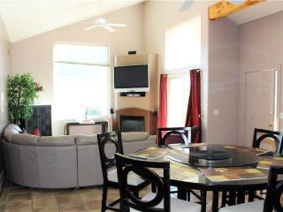 Cozy Condo with Hot Tub and Parking - Moab vacation rentals