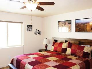 Cozy 3 bedroom Moab Apartment with Hot Tub - Moab vacation rentals