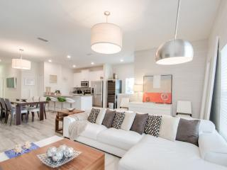 Luxury 5 Bedrooms villa at Storey Lake - Kissimmee vacation rentals