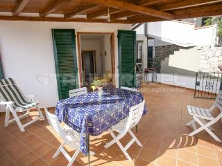 Cozy 2 bedroom Apartment in Campo nell'Elba with Long Term Rentals Allowed - Campo nell'Elba vacation rentals