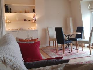 Kempsford Gardens Apartment - London vacation rentals
