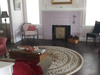 Lake View Retreat in Historic District - Lake Wales vacation rentals
