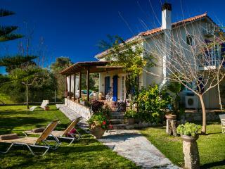 Cozy 3 bedroom garden villa sleeps 6 - Skala vacation rentals