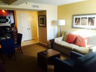 Charming 2 bedroom Condo in Newport - Newport vacation rentals