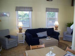 Wonderful Boathouse with Internet Access and A/C - Sabula vacation rentals