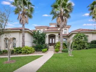 Beautiful 5BR House DonaAnaCove, TX - Helotes vacation rentals