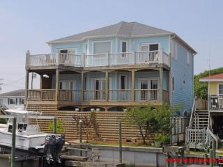 Nice House with Deck and Internet Access - Topsail Beach vacation rentals