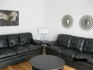 Convenient 3 bedroom Condo in Montreal - Montreal vacation rentals