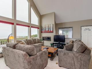 Spacious & modern dog-friendly house w/private hot tub, lovely ocean views! - Lincoln City vacation rentals