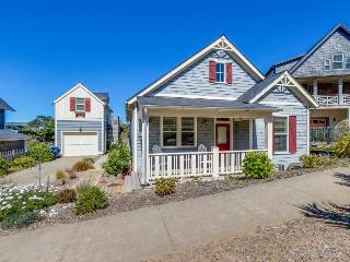 Beautiful, family-friendly house near beach access w/shared pool, gym, & more! - Lincoln City vacation rentals