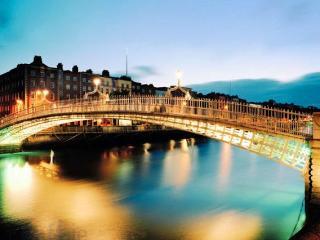 heart of dublin 3 bed apartment near templebar - Dublin vacation rentals