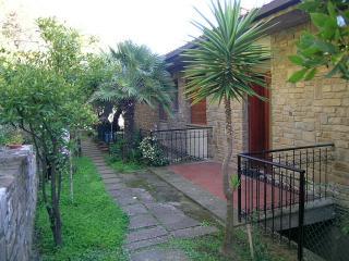 Panoramica e tranquilla con terrazza e giardino - Castiglione Della Pescaia vacation rentals