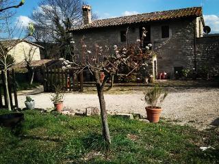 Casa vacanze Anthea a Torregentile - Todi vacation rentals