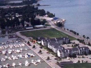 Port Clinton Condo Lake Erie, Put-in-Bay, Kelley's - Port Clinton vacation rentals
