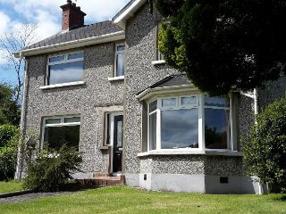 Convenient House with Internet Access and Television - Belfast vacation rentals