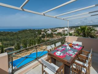 Brandnew villa! 1km to the beach, 100m to restaura - Gerani vacation rentals