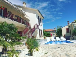 LacoDeLama - 4 star apartment at the south Istria - Medulin vacation rentals