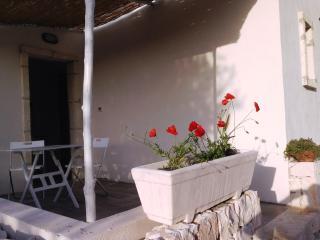 Nuovissimo Monolocale in Casale Tipico Pugliese - Ostuni vacation rentals