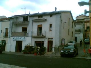 appartamento centralissimo, central apartment - Accettura vacation rentals