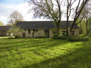 Lovely 3 bedroom Watermill in Mouliherne - Mouliherne vacation rentals