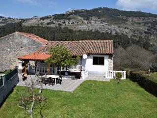Casa la Higuera - Area Santander. WIFI incl. - Spain vacation rentals