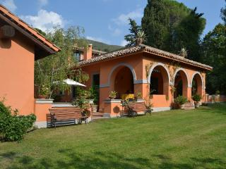 Large Family-Friendly Italian Villa with Guesthouse Within an Hour of Rome - Casa di Poggio - Poggio Catino vacation rentals
